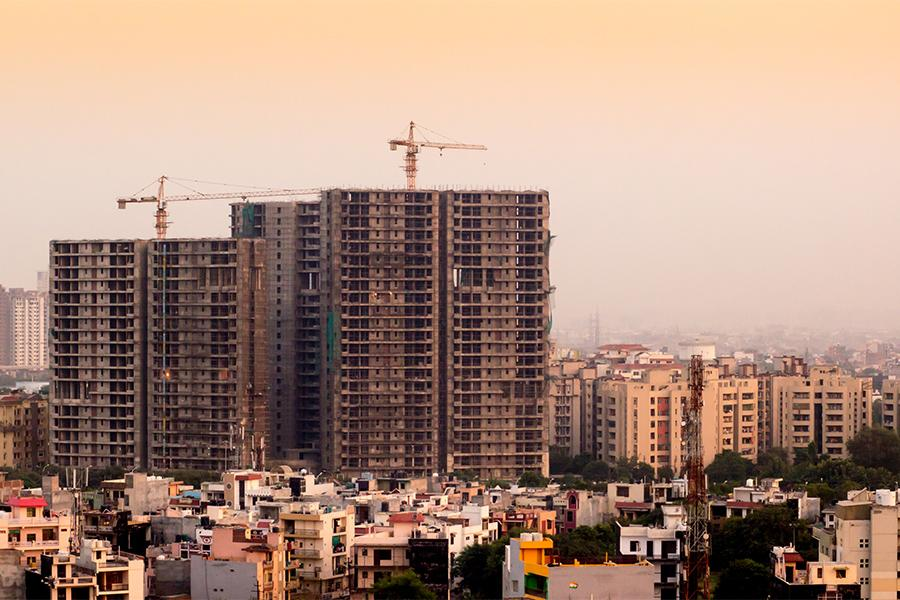 NRIs investing in Indian real estate, vakeelno1